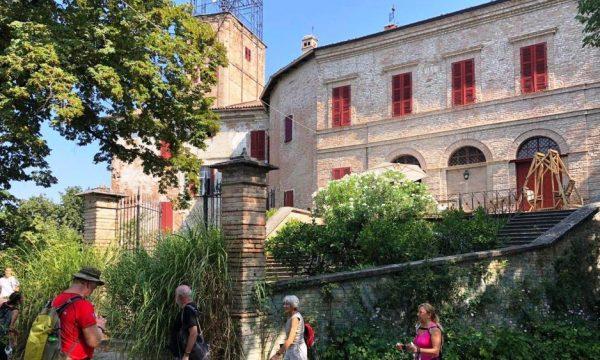 Cronistoria camminata al Castello di Robella d'Asti
